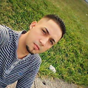 Tavo Reyes, 19, Tegucigalpa, Honduras