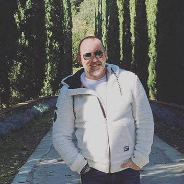 Davies, 54, Saint Paul, United States