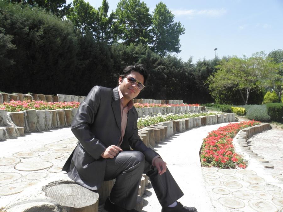 ARASH, 33, Istanbul, Turkey