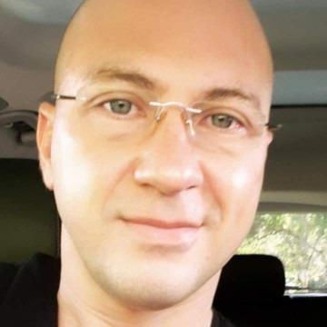 Joel Nelson, 44, Colombo, Sri Lanka