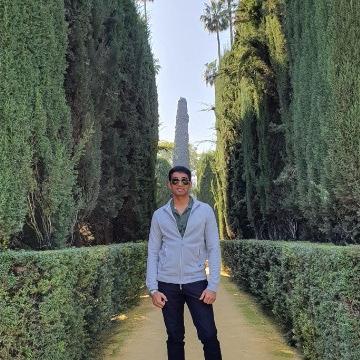 Saeed, 32, Abu Dhabi, United Arab Emirates
