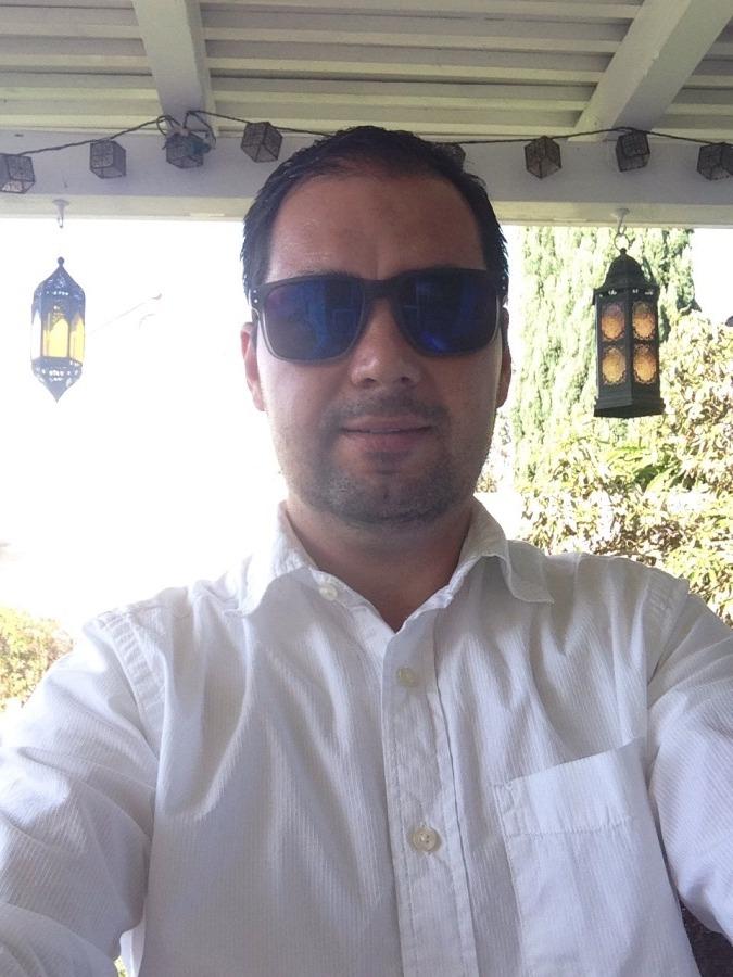 Roberto, 35, Oxnard, United States