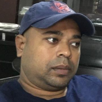 Mortuza, 41, Dhaka, Bangladesh