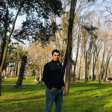 Ömer, 30, Istanbul, Turkey