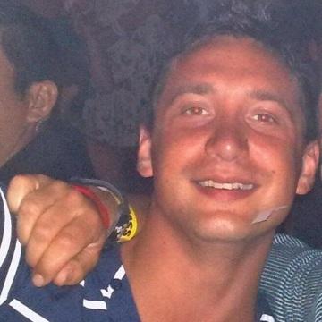 Davide, 34, Brescia, Italy