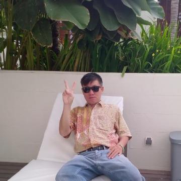 Nardi Hartono, 45, Surabaya, Indonesia