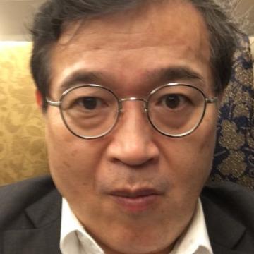Toshi Shiinoki, 59, Tokyo, Japan