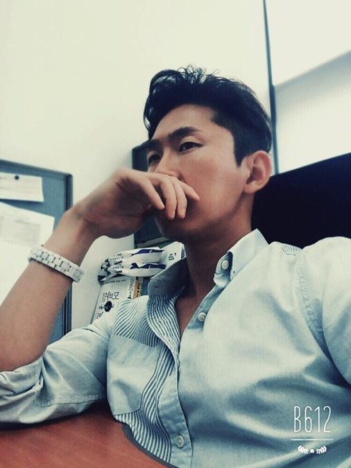 R.lee, 33, Seongnam-si, South Korea