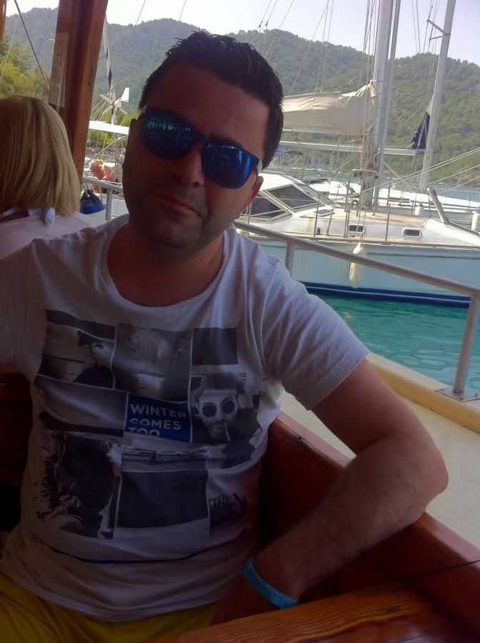 Ozgur, 38, Antalya, Turkey