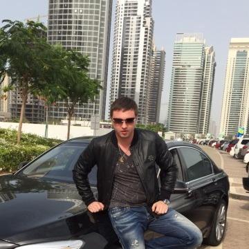 Vaga, 31, Dubai, United Arab Emirates