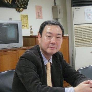 Sungsik Lee, 69, Seoul, South Korea