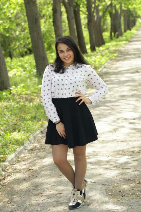 cristina mocanu, 20, Kishinev, Moldova