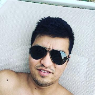 Bin, 28, Dubai, United Arab Emirates