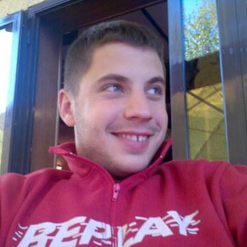 Covic, 35, Belgrade, Serbia