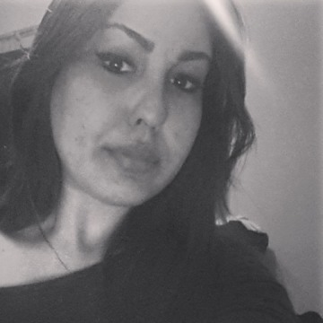 Zineb, 24, Oujda, Morocco