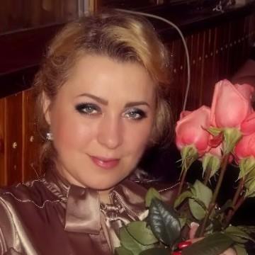 Ирина, 42, Luhansk, Ukraine
