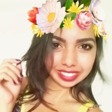 Liliane, 24, Uberaba, Brazil
