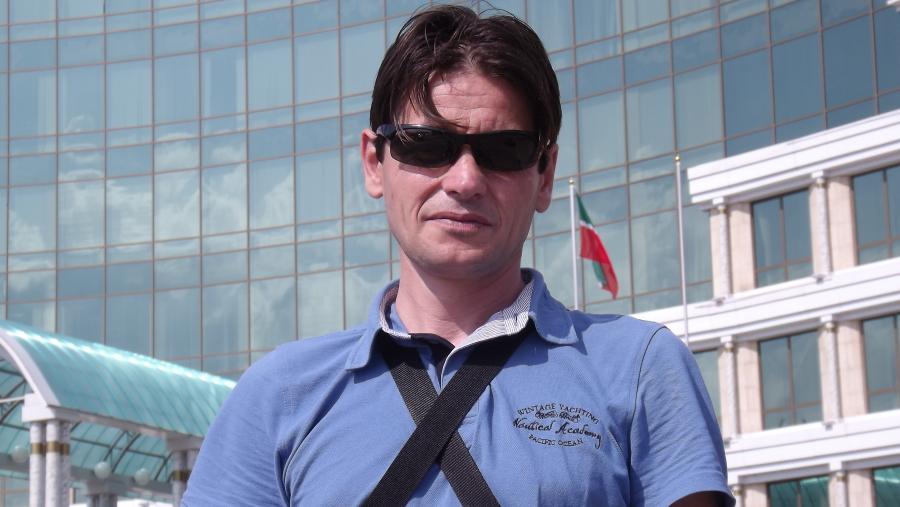 Metin, 45, Istanbul, Turkey