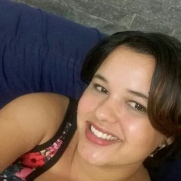 Ariane De Paula Oliveira, 35, Resende, Brazil