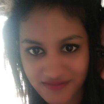 Komal, 26, Bangalore, India