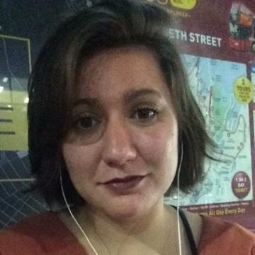 Madeline, 24, Sydney, Australia