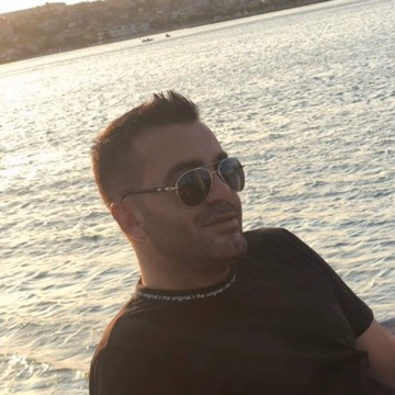 Saye, 37, Istanbul, Turkey