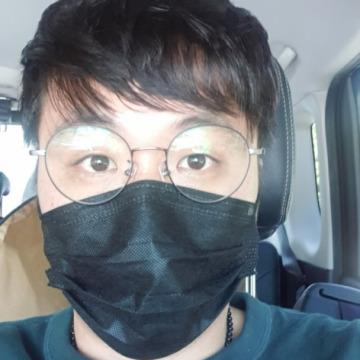 Shangmin Lee, 35, Yongin-si, South Korea