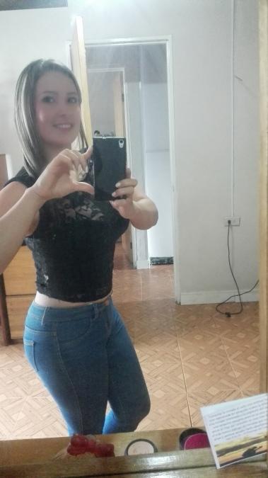 Elena gomez, 33, Cold Spring, United States