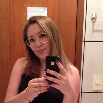 ana, 29, Dois Vizinhos, Brazil