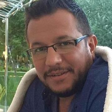 Tuncay Boz, 41, Denizli, Turkey