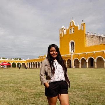 Cristina Xooc, 27, Valladolid, Mexico