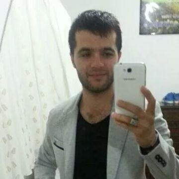 Özcan Şahin, 33, Istanbul, Turkey