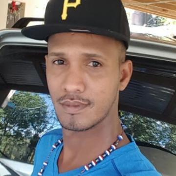 Wilson Tineo Morel, 39, Luanda, Angola