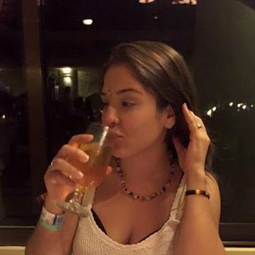 Susan, 38, Sydney, Australia