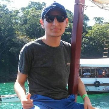Juan Zarzoza, 26, Miraflores, Peru