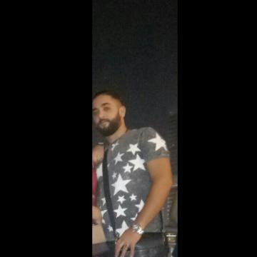 Riad, 23, Dubai, United Arab Emirates