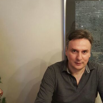 Deniz Zunbulbahce, 47, Istanbul, Turkey