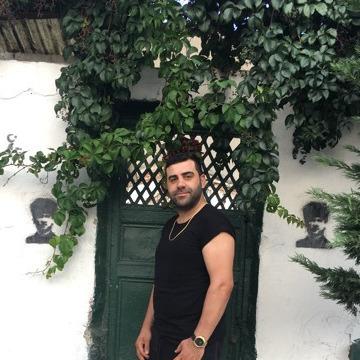 Ömer Eray Kaban, 34, Istanbul, Turkey