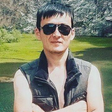 Kanat Sharipbekov, 28, Osh, Kyrgyzstan
