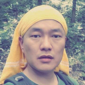 Jun, 41, Cheonan-si, South Korea