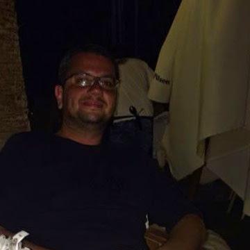 Jack Redford, 42, Izmir, Turkey