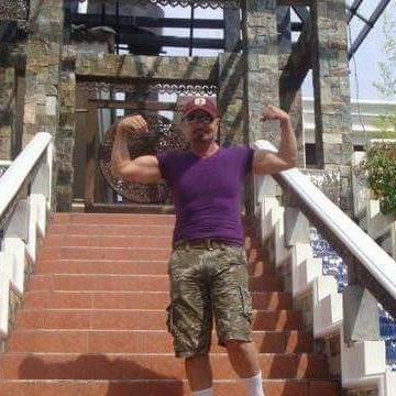 Saif, 43, Abu Dhabi, United Arab Emirates