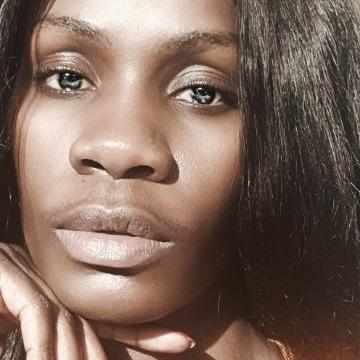 Eleshia, 26, Nairobi, Kenya