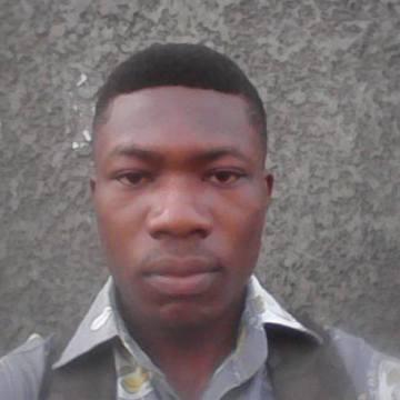 TOGNI, 25, Cotonou, Benin