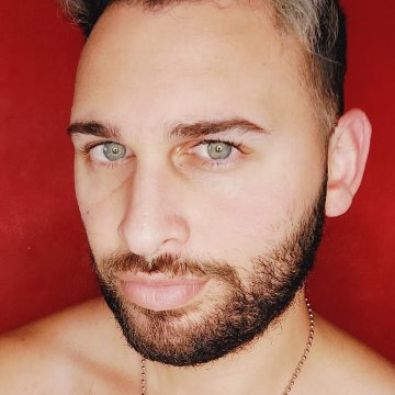 Tomás Sezaro, 27, Buenos Aires, Argentina
