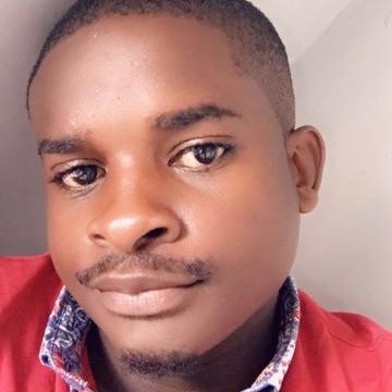 Hem, 27, Nairobi, Kenya