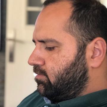 Cihat Yaşar, 34, Istanbul, Turkey