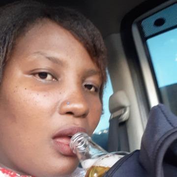 Thembeka Thekiso, 28, Bloemfontein, South Africa