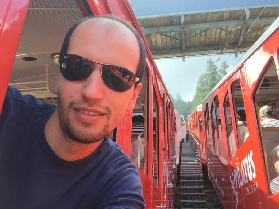 Dan, 35, Lausanne, Switzerland