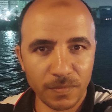Ayman Śàłãh, 31, Alexandria, Egypt